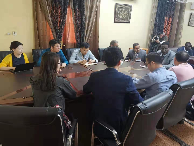 新疆生地所荒漠化防治研究团队考察毛里塔尼亚 深化中毛科教交流合作