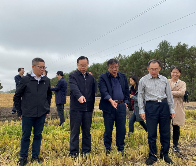 李发东研究员陪同致公党中央常务副主席蒋作君调研黑土地保护